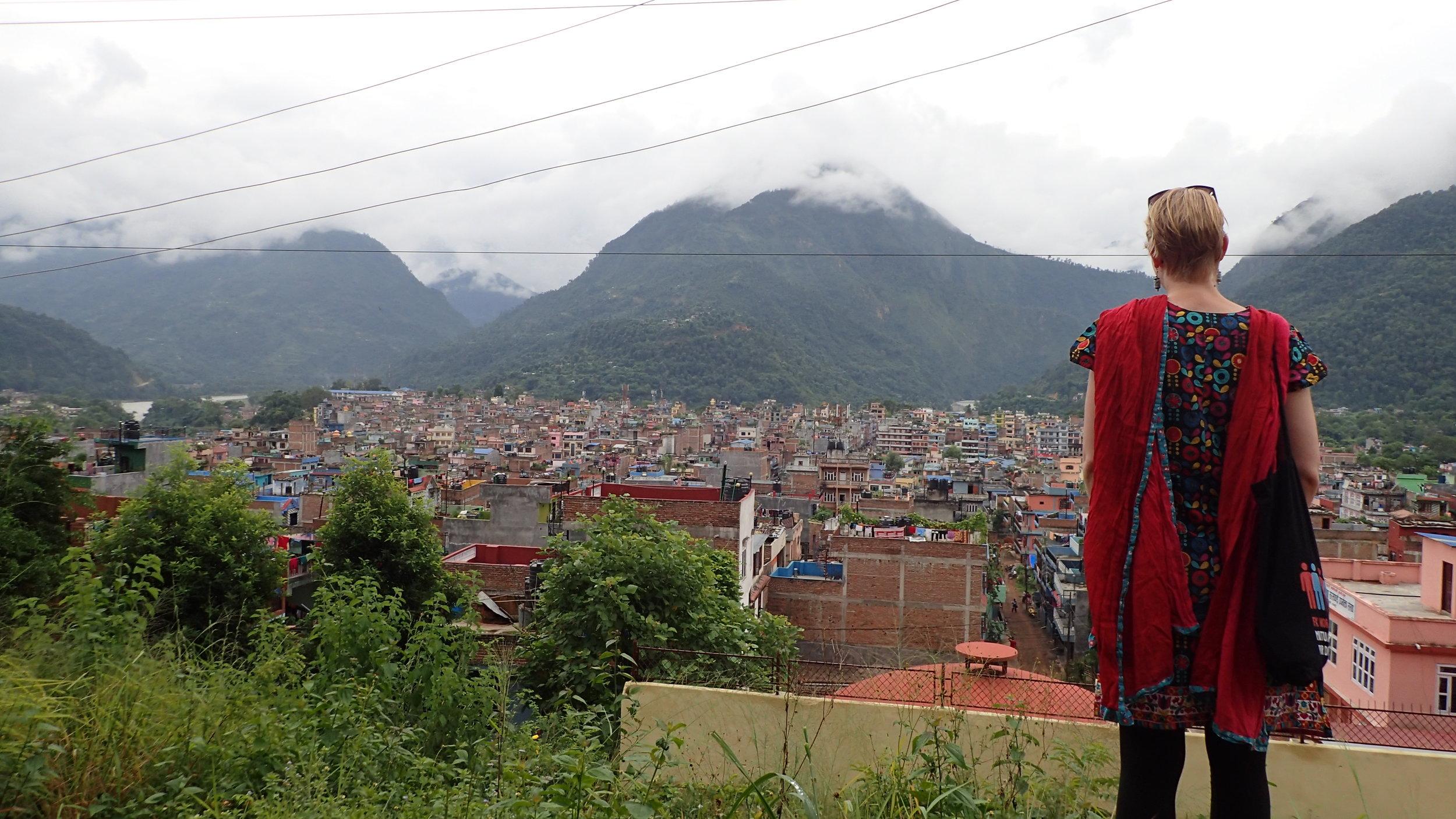 Kathrine O. Flaates adventure for seeking the mountain view. Photo: Ola Opdal