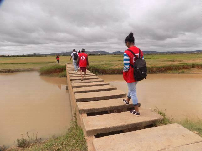 Prior to the cyclone, Malagasy Red Cross volunteers in Analamanga sensitized communities in the risk zones to better prepare them for the potential effects of Enawo.  Photo credit:  Malagasy Red Cross