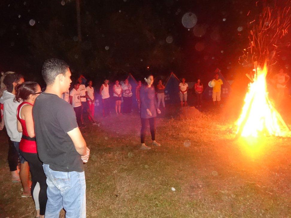 Fogata - como me encanta fogatas! ///  Bonfire - how i just love bonfires !Foto: Cruz Roja Colombiana