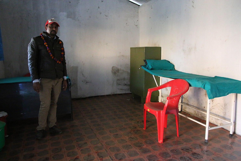 Inside outreach clinic in Sindhupalchok, where locals regularly access medical help. Photo: Roar Dalmo Moltubak/Røde Kors