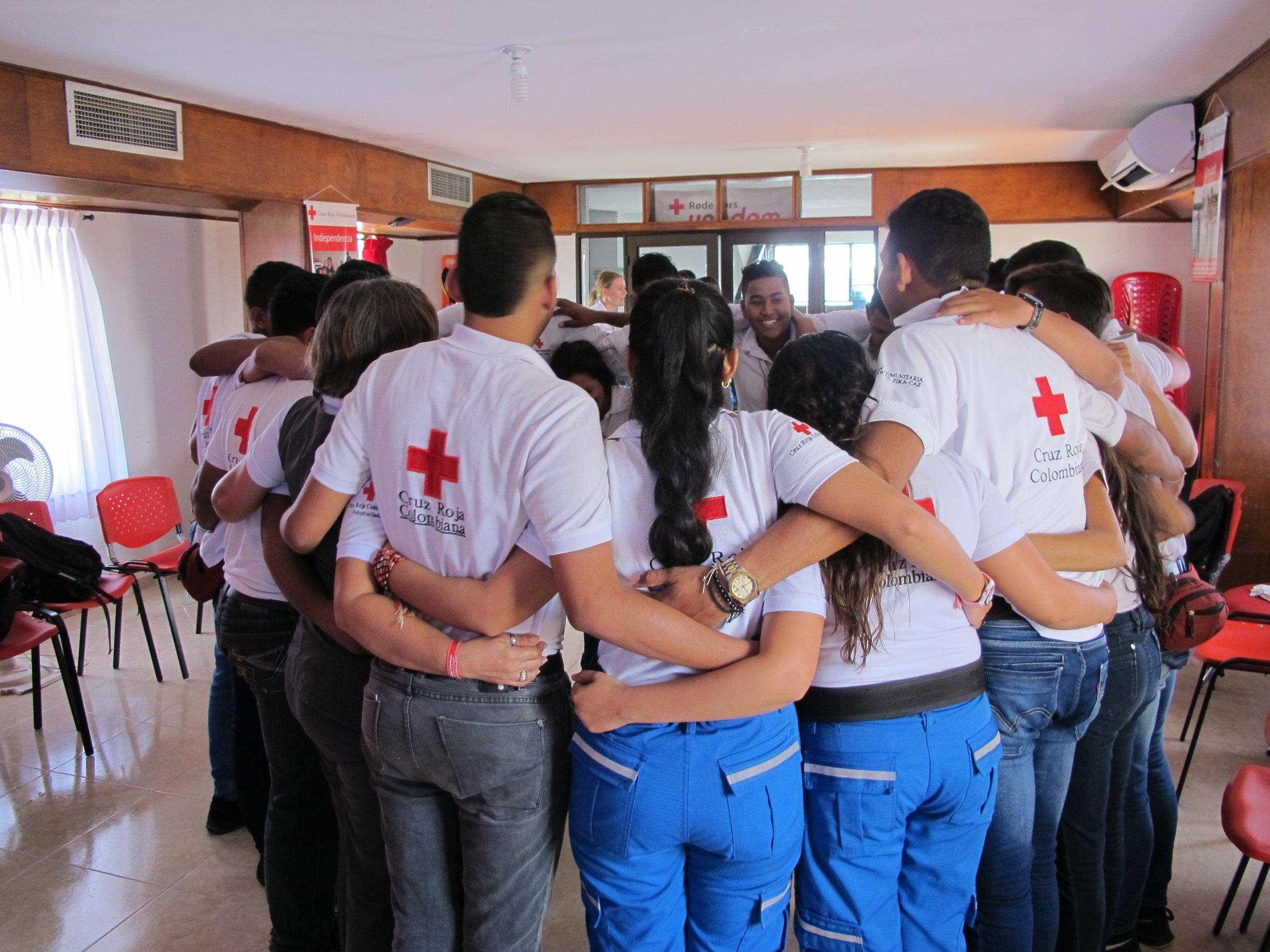 Los voluntarios dentro una actividad en Valledupar.