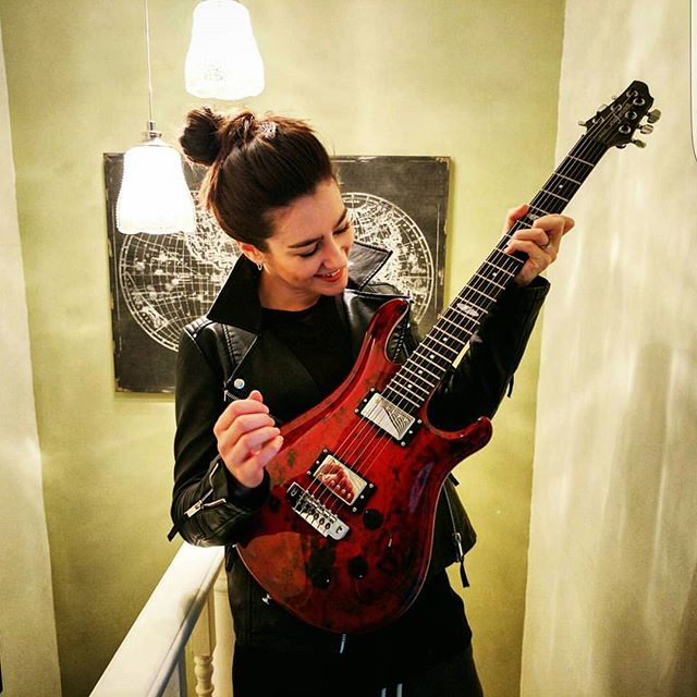 We are very happy to announce that the incredibly talented Hannah Trigwell @hannahtrigwell  is now an official Flaxwood Guitars Artist!  Check out Hannah's stunning custom Flaxwood Rautia in the photo above.  #hannahtrigwell #artist #new #red #rautia #finland  Contact us here at FlaxwoodGuitarsUK on Instagram, Facebook or Twitter for more information. Get in touch with @zedmusicdistribution to find your nearest dealer and to get your hands on a Flaxwood in the United Kingdom.  www.zedmusicdistribution.co.uk  Photo and copyright owned by Zed Music Distribution.  #flaxwood #flaxwoodguitars #guitar #electric #electricguitar #guitarist #unitedkingdom #lovemusic #musicians #musiclife #ギター #violão #guitarra #гитара #guitare #gitar #musicphotography #sustainable #sustainability #ecofriendly #eco #photooftheday #photo