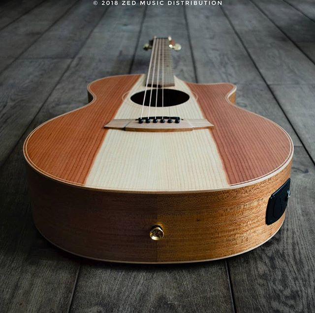 The awesome heart wood on this Angel 2 Redwood top is just something else, what do you think?  Contact us here at ColeClarkUK to find out more and get in touch with Zed Music Distribution to find your nearest Cole Clark dealer and get your hands on one!  Photo and Copyright owned by Zed Music Distribution.  #coleclark #coleclarkguitars #redwood #california #big #grain  #oneofakind #rare #monday #mondaymotivation #mondays #worldsmostnaturalpickup  #acousticguitar #acousticaguitar #acoustic #guitars #guitarist #guitar #guitarsdaily #guitarspotter #guitarsarebetter #guitarcover #zedmusicdistribution #martin #taylor #fender #gibson