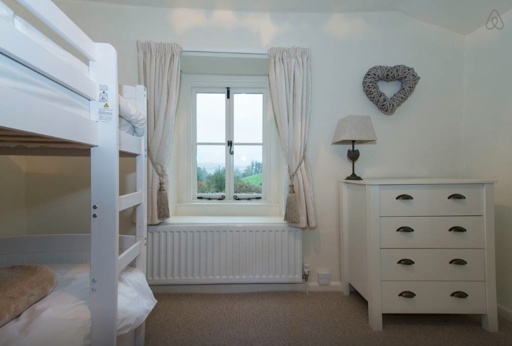 white hart cottage, bedroom 2.1.png