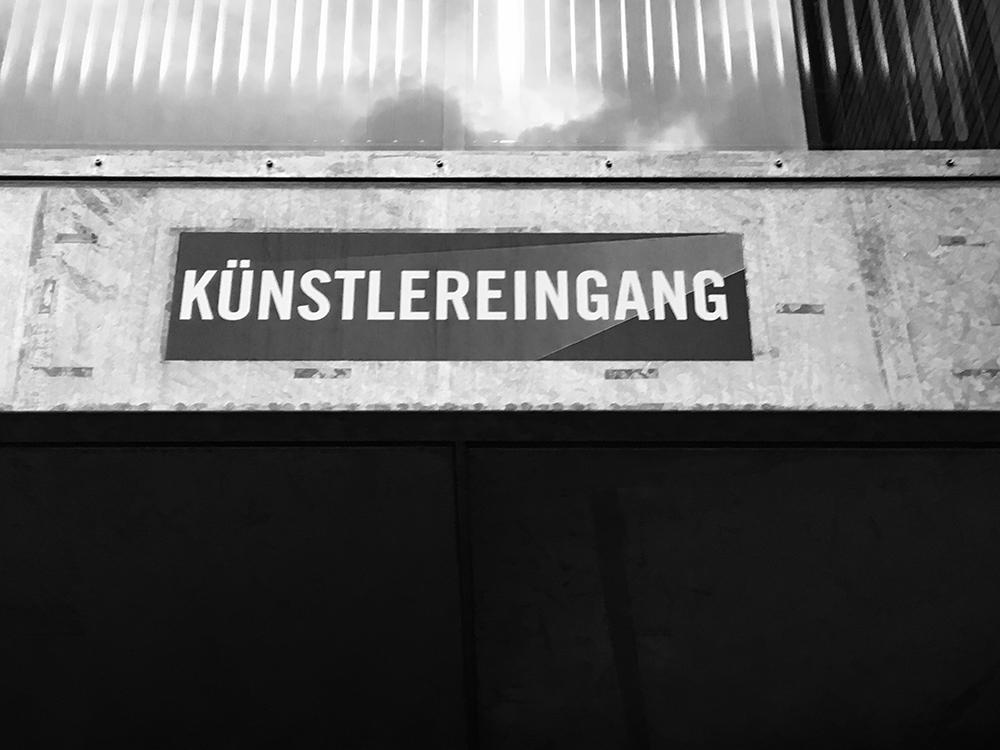 Kuenstlereingang.png
