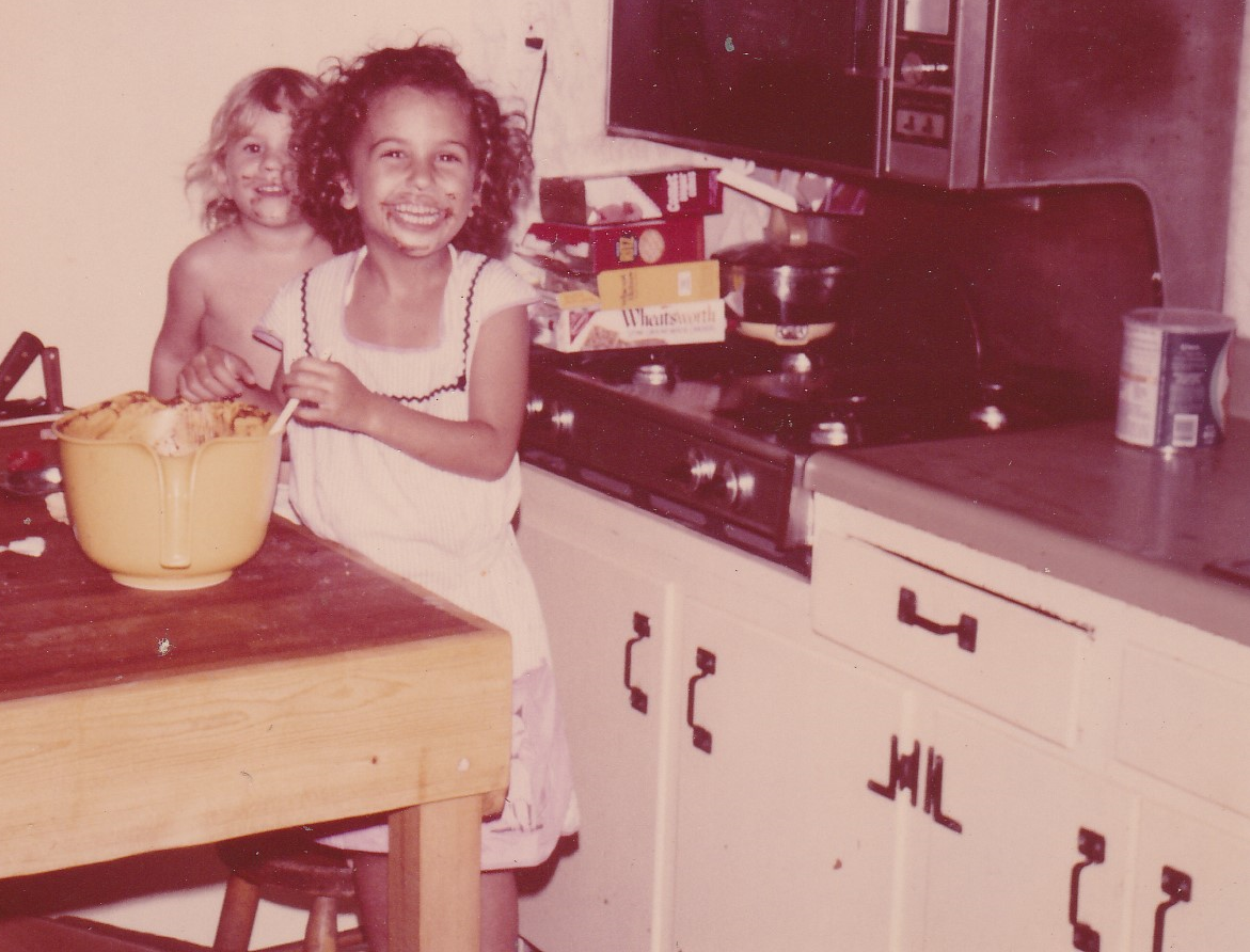 Note the gallon-sized Crisco at stove right.