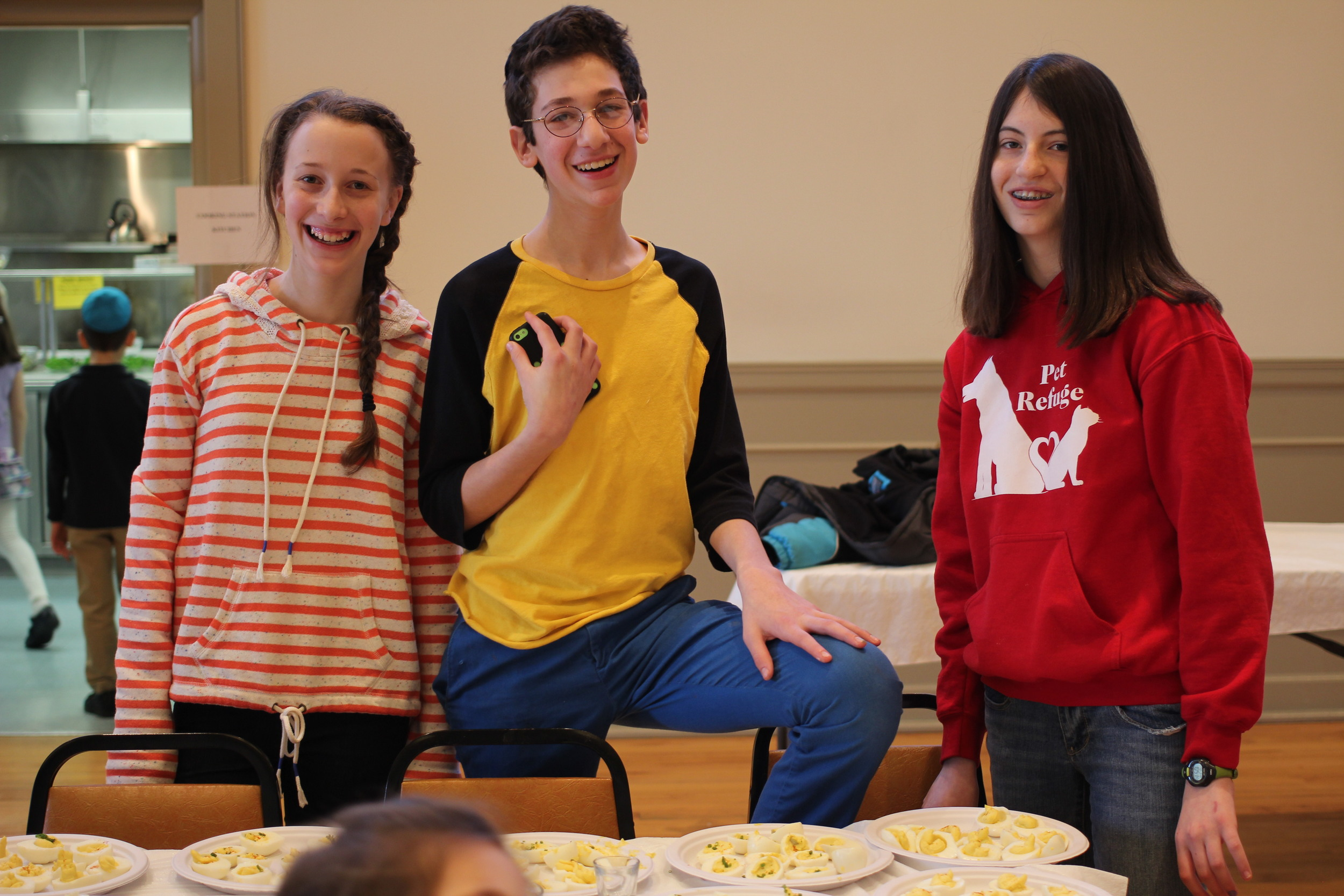 Teens at Sinai Synagogue participate in Passover education program.