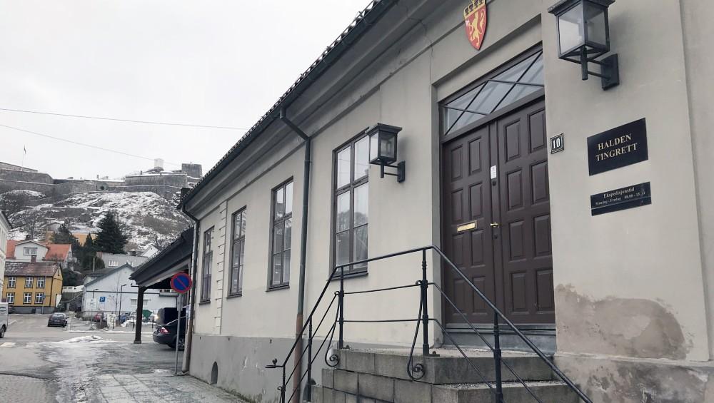 Rettssaken mot mannen i 30-årene startet onsdag morgen, og er forventet å være ferdig 24. april.  FOTO: PER ØYVIND FANGE/NRK  April 2018    Les saken