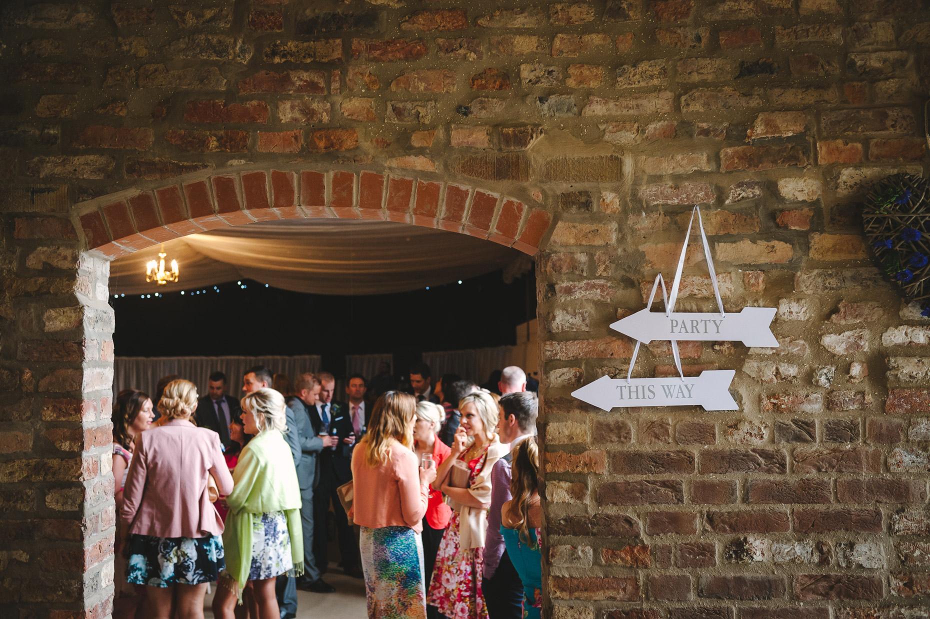 barmbyfield_barn_wedding_photos127.jpg