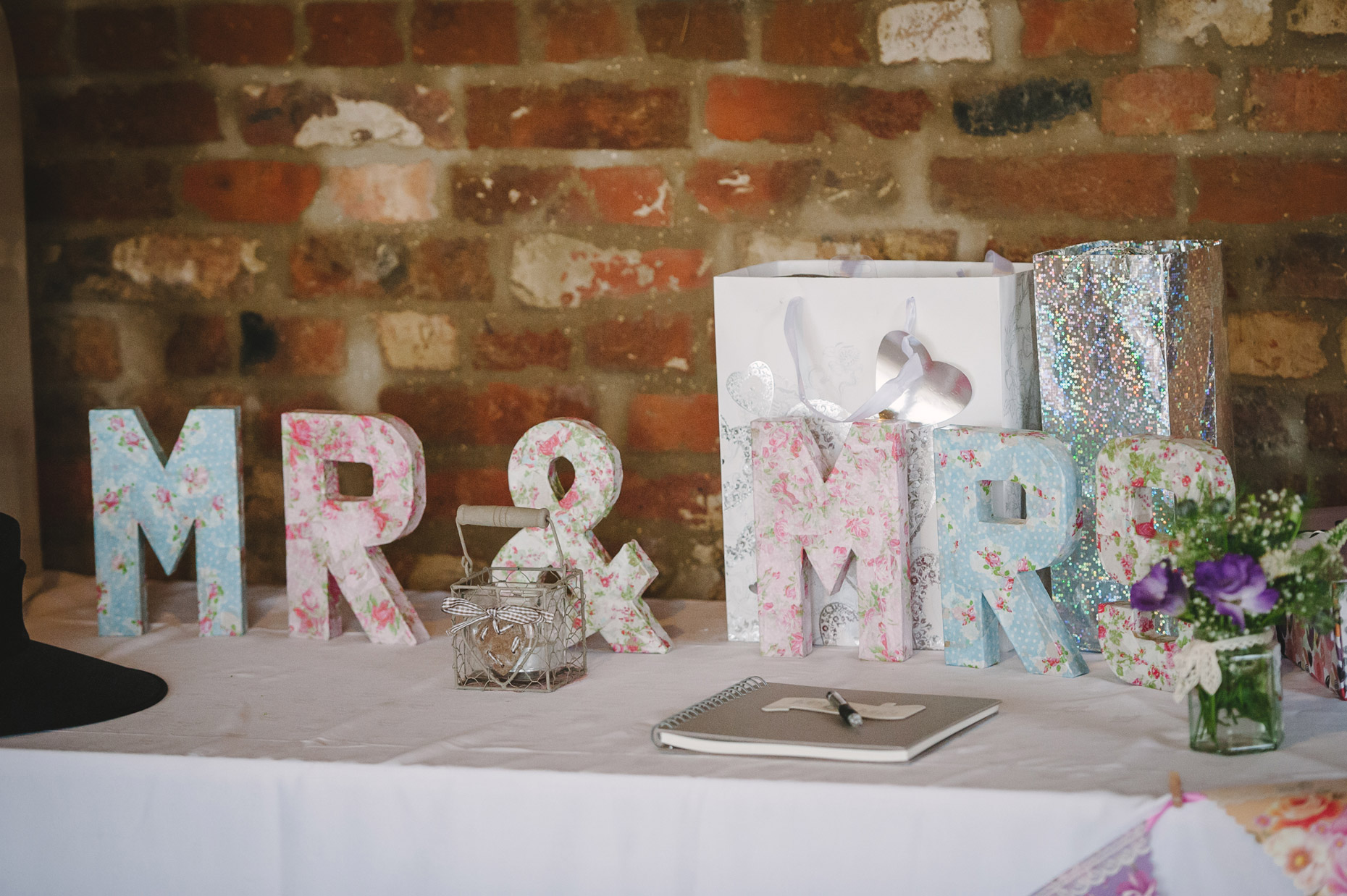 barmbyfield_barn_wedding_photos177.jpg