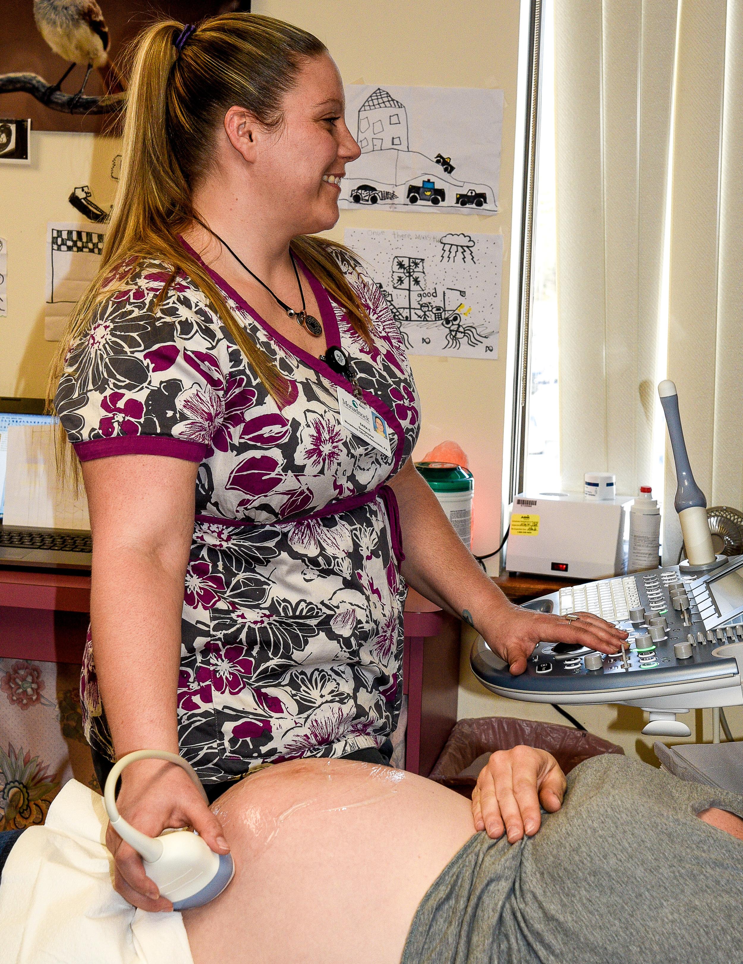 ur Ultrasonographer, Sara Evans