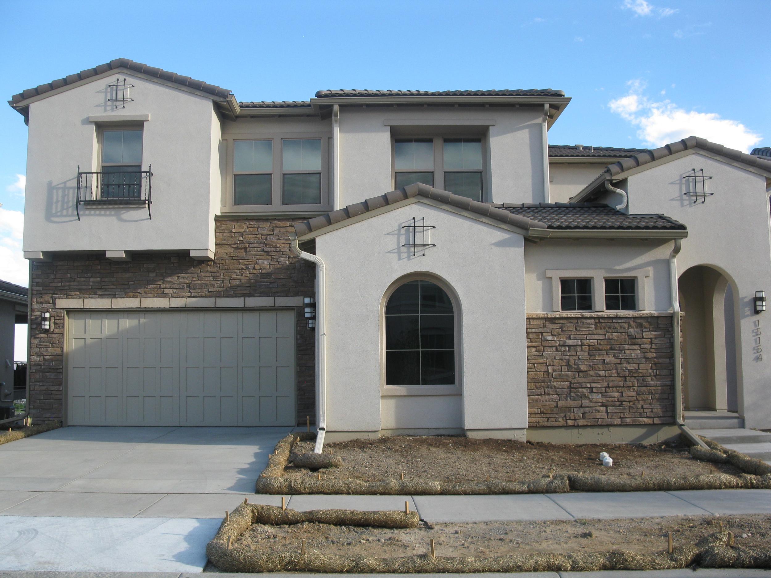 15154 W. Washburn Ave.   $825,671