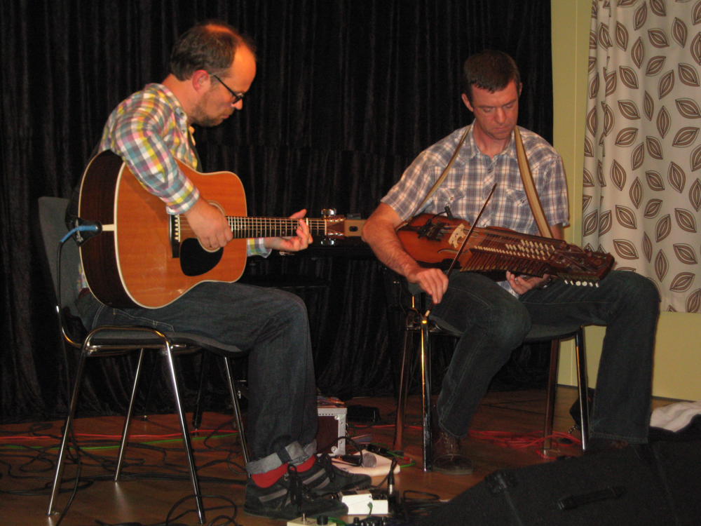 2011, 16. september, Ian Carr & Niklas Roswall, den fremragende engelske guitarist i duo med den svenske riksspelman