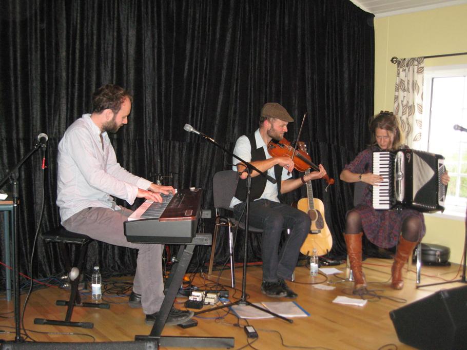 2011, 9. oktober, Svøbsk Trio m. Theis Langland, Jørgen Dickmeiss og Maren Hallberg