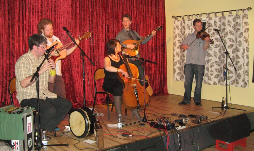 2010, 10. april, Malinky, Skotland med Steve Byrne, guitar og Mike Vass, violin