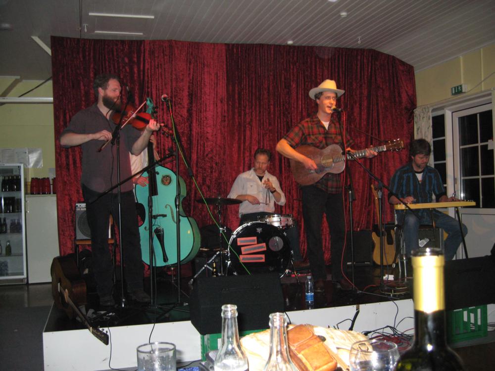 2008, 22. februar, Også fra USA, Caleb Klauder's Oldtime Country Band