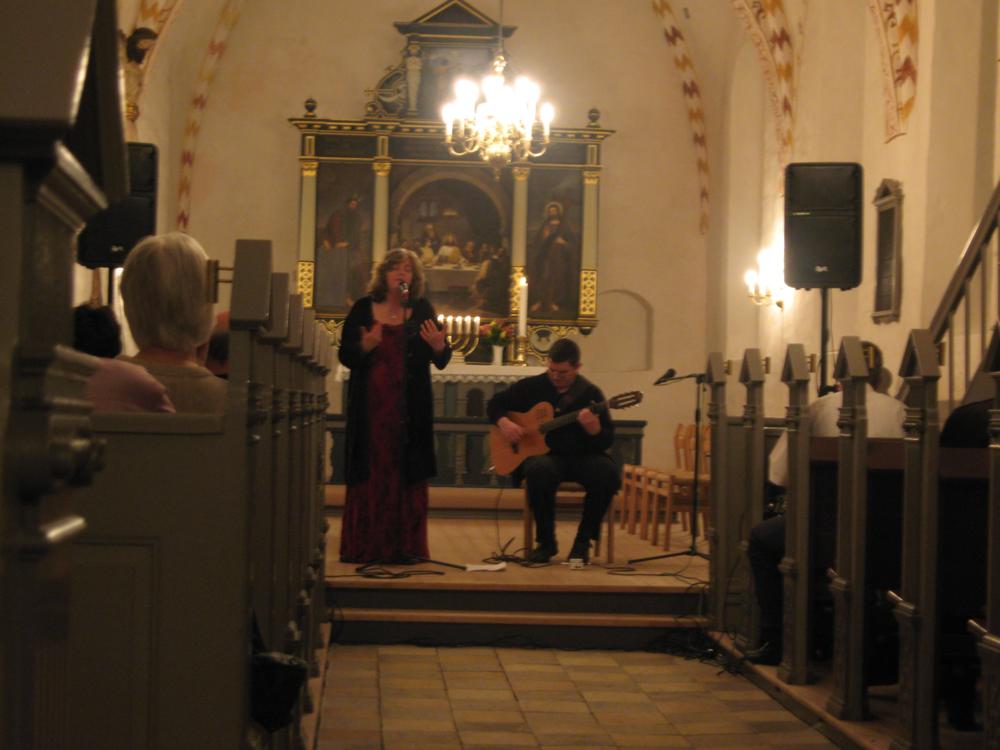 2007, 28. marts, Niamh Parsons og Graham Dunne. Denne koncert blev holdt i Kærum Kirke