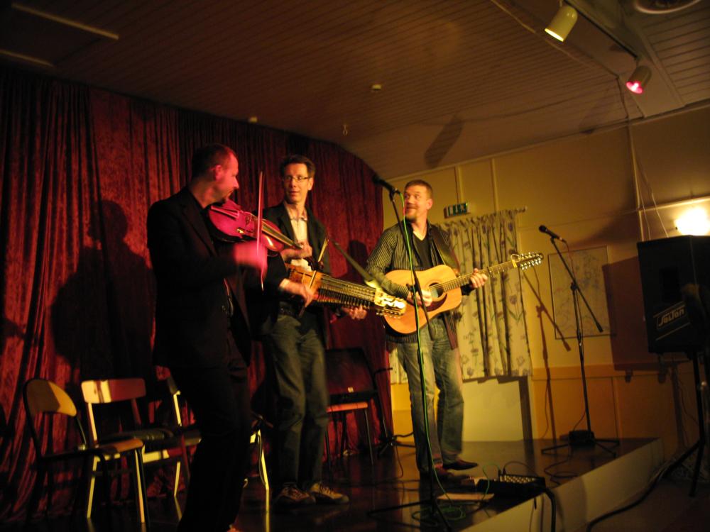 2007, 16. marts, det svenske verdensnavn Väsen har også besøgt Thorøhuse