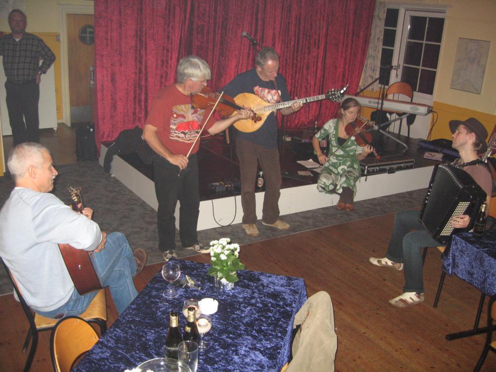 2006, 25. november, der øves i salen inden dobbeltkoncerten med Færd & Trio Mio