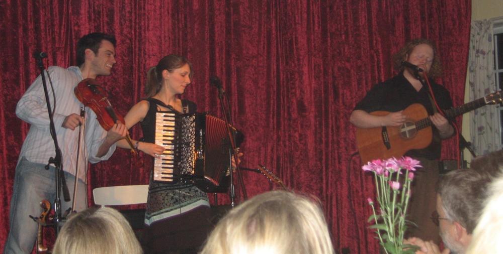 2005, 10. juli, Gensyn med Emily Smith i trio med Steve Byrne og ægtemanden Jamie McClennan