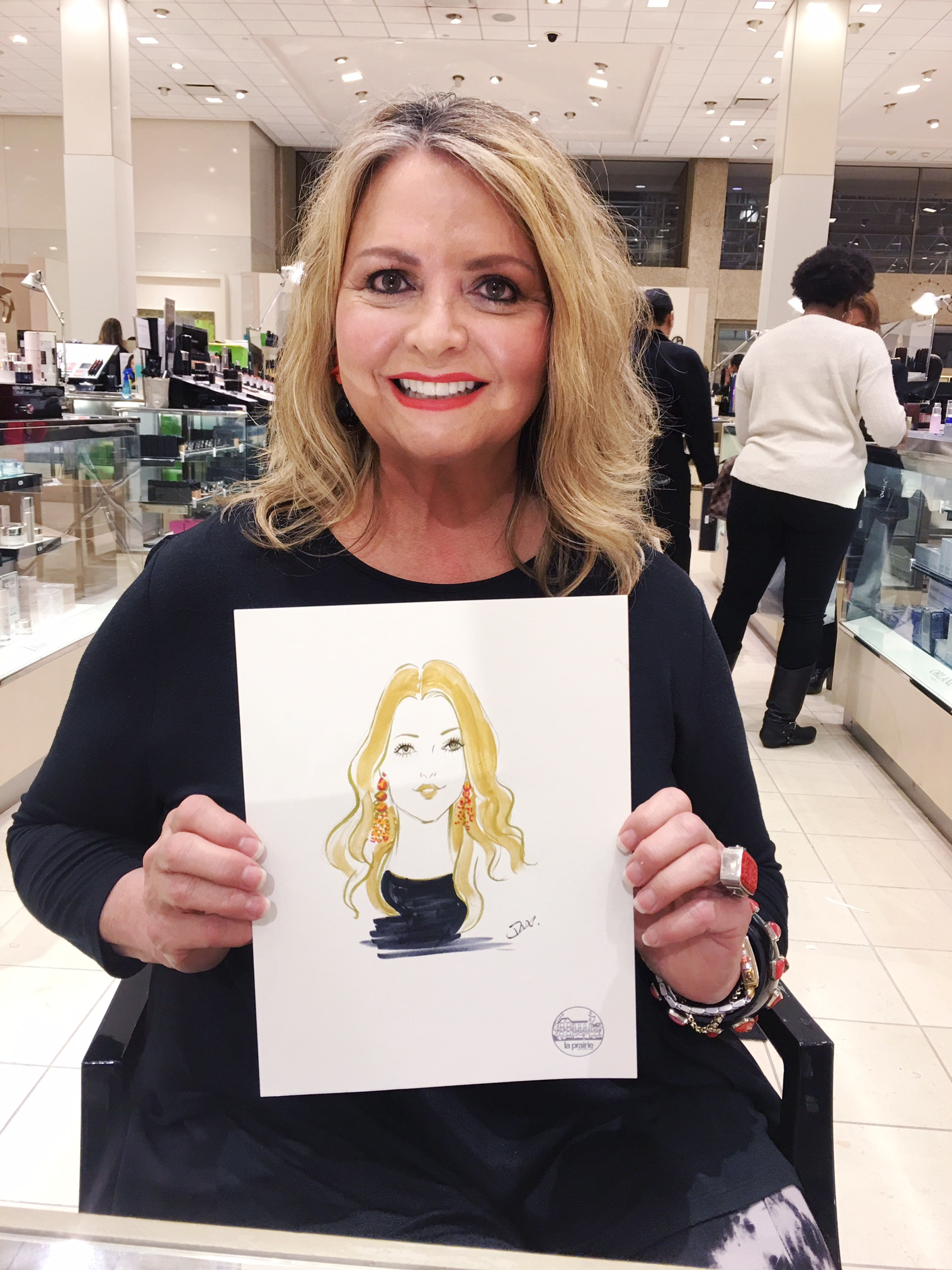 La-Prairie-live-sketch-event-at-Neiman-Marcus-San-Diego-by-fashion-illustrator-Rongrong-DeVoe--3.jpg