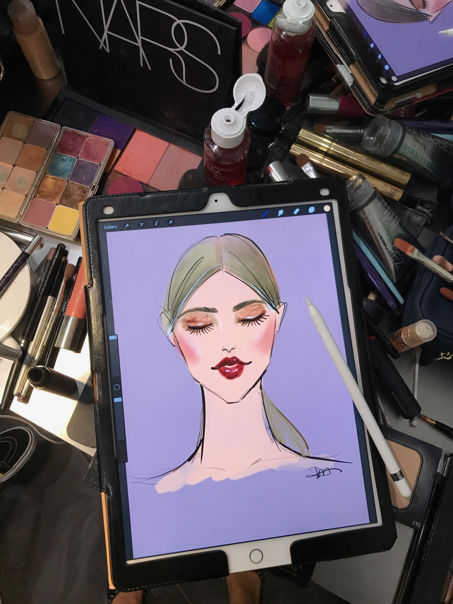 Rongrong DeVoe use Procreate and Ipad Pro at Fashion Week back stage.JPG