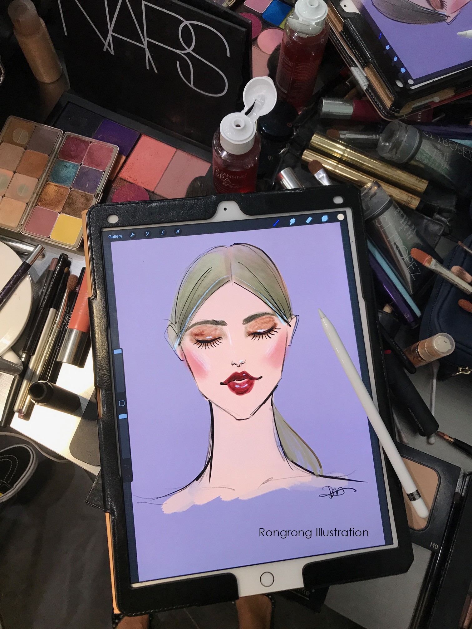 Rongrong DeVoe use Procreate and Ipad Pro at Fashion Week back stage copy.jpg