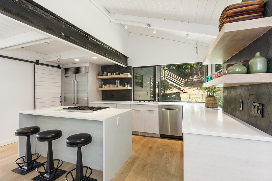 01-406-Hilldale-Way-kitchen-web.jpg