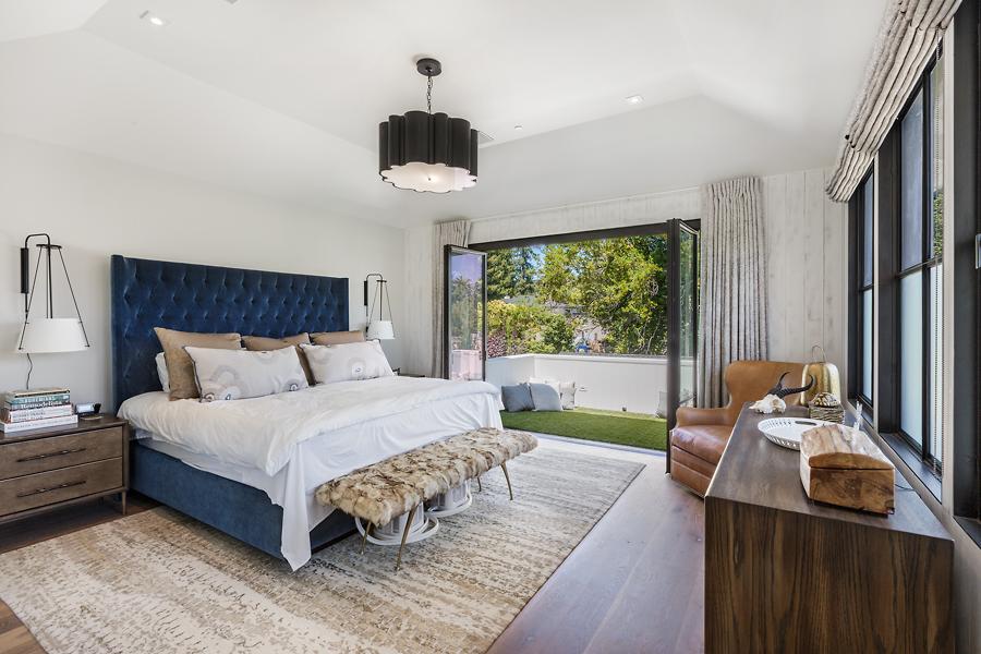 15-51-Walnut-Ave-master-bedroom-web.jpg