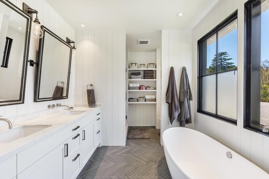 17-51-Walnut-Ave-master-bathroom-web.jpg