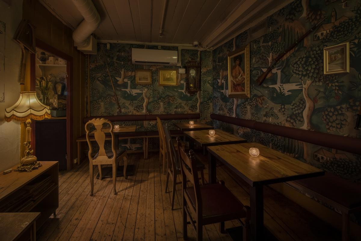 Salongene: stilig tapet på veggene