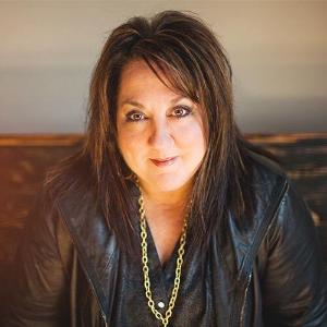 Jennie Lee Riddle    Award-winning songwriter