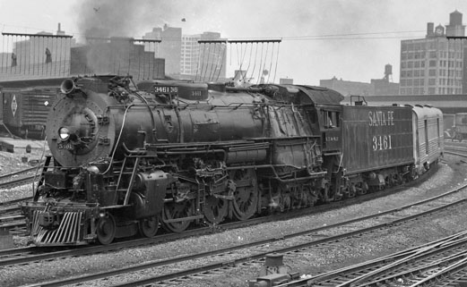 ATSF Train 19, No. 19, the Chief, with engine 3461, rounds the curve at Clark Street on the way out of Chicago. Photograph by Wallace W. Abbey and courtesy of the Center for Railroad Photography & Art, www.railphoto-art.org.