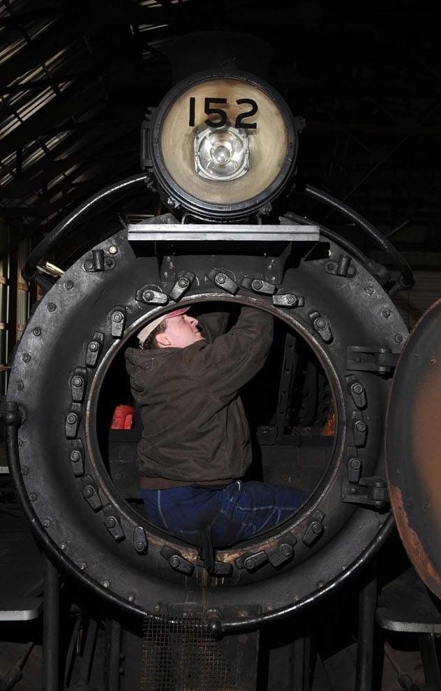 Preliminary inspection on L&N 152 by KRM Volunteer Bradey Sanker - C. Buccola