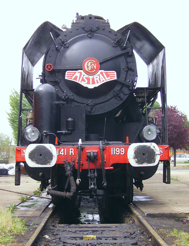 Preserved 141-R 1199 sits at the Vailleneuve-Saint-Georges on May 5, 2007. Didier Duforest Photo - Wikimedia Commons