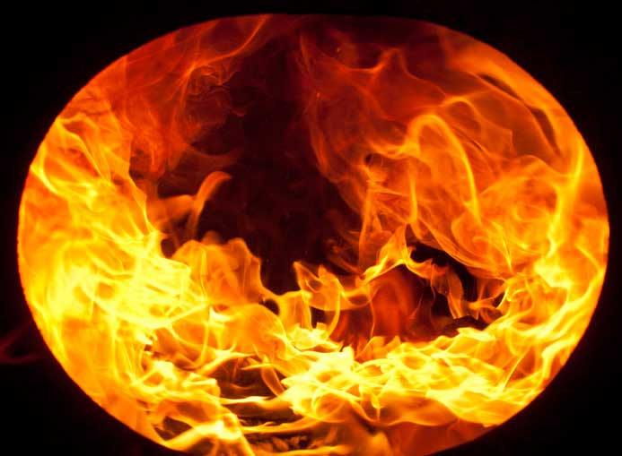 Image from June showing combustion with thinner, small-pellet fire.