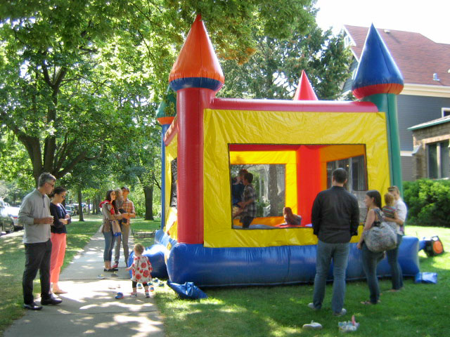 3.2 Bouncy house start.JPG