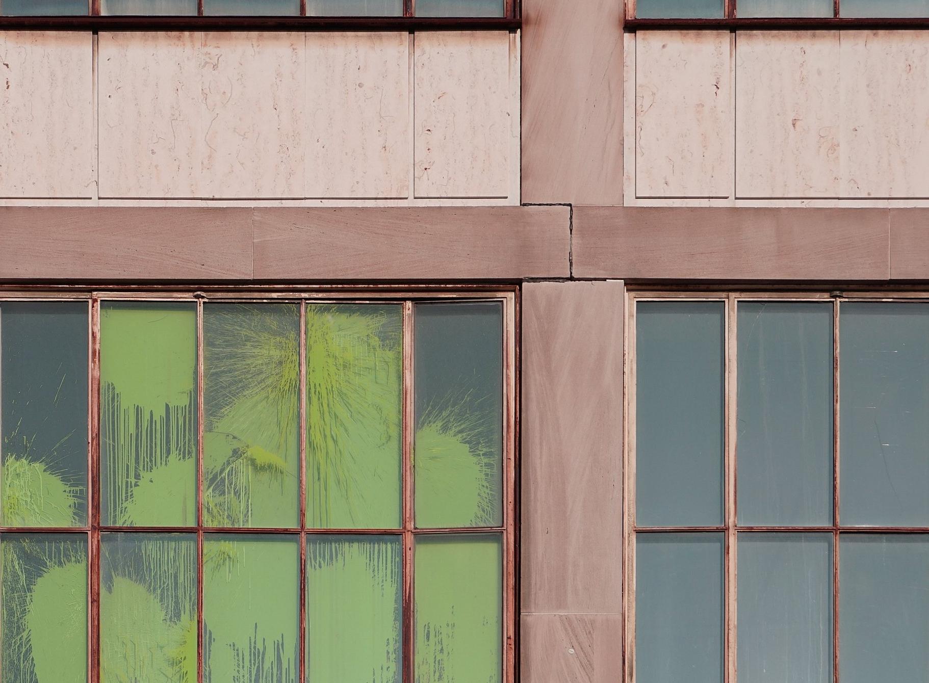 window-2589625.jpg