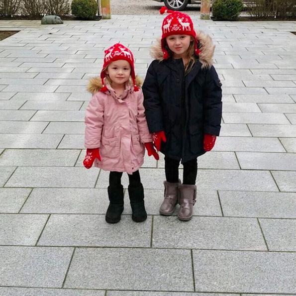 Mössor och vantar:  Babyshop   Monday's jacket:  Babyshop   Winter's Jacket:  Lindex