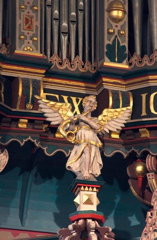 Organ case, Bremen Martinikirche, another angel.