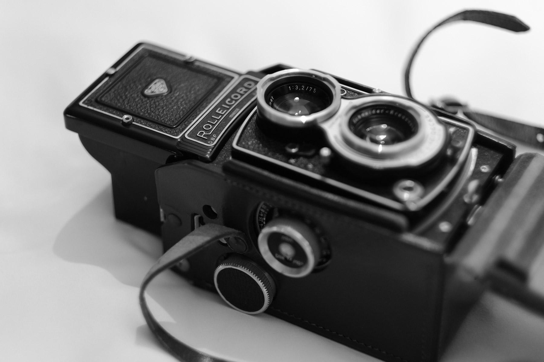 Film! Vintage Rolleicord V TLR