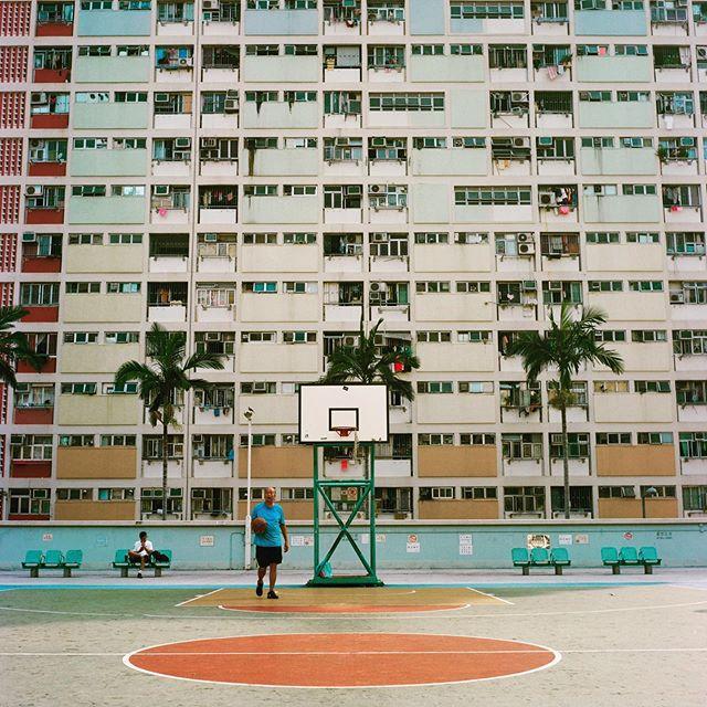 #hongkong #choihung #rollei #rolleicord #filmphotography #film #120film #architecture #architecturephotography