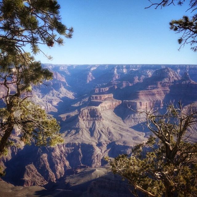 Start the day early at the #GrandCanyon #NationalPark and get out before sunrise - freezing ❄️❄️❄️, but absolutely worth it - easily my favorite place in the U.S. #naturephotography #outdooradventurephotos