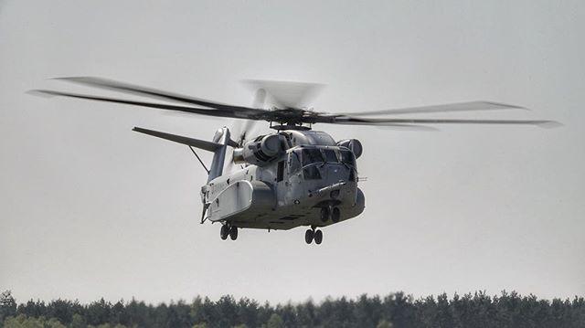 #USMC #Sikorsky #CH53K #KingStallion #Helicopter during its international debut at #ILA2018 in #Berlin @sikorskyair @lockheedmartin #hubschrauber #aviation #aviationphotography