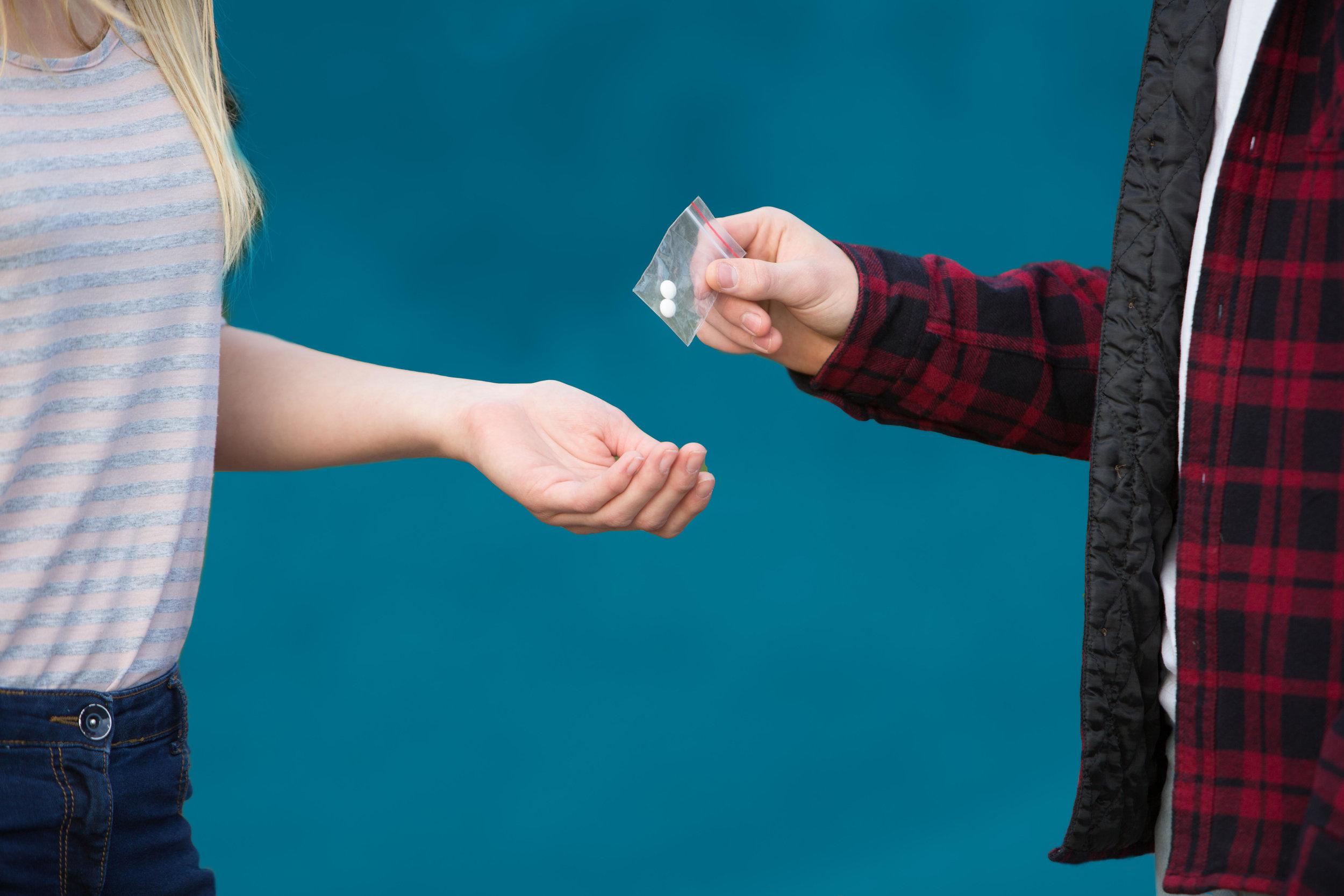 opioid-kids-dealing.jpg