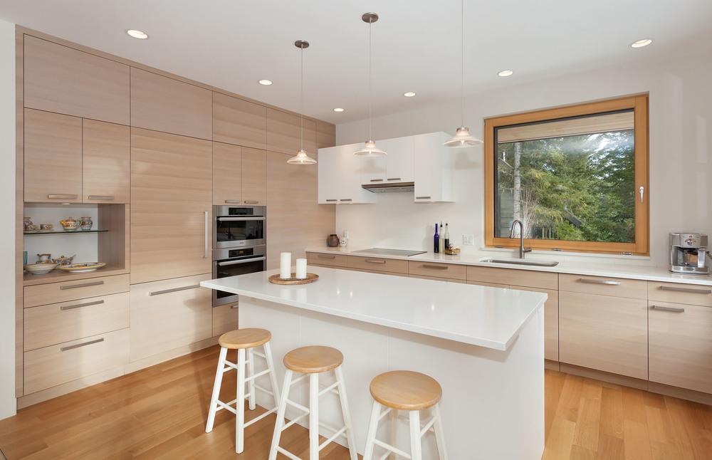 8531+Kitchen.jpg