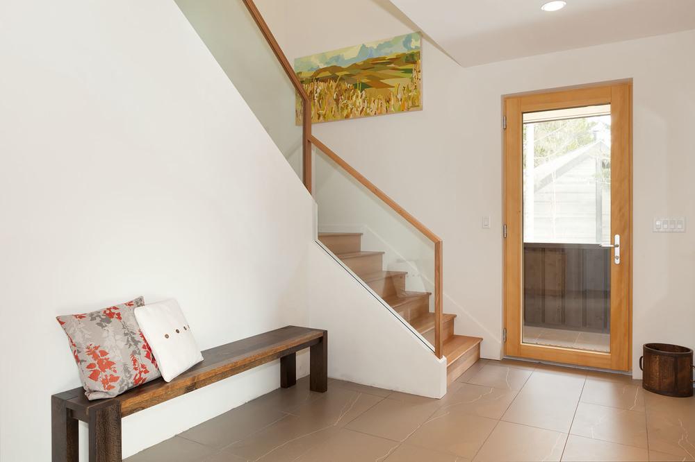 8531+Stairway+Entry+2.jpg