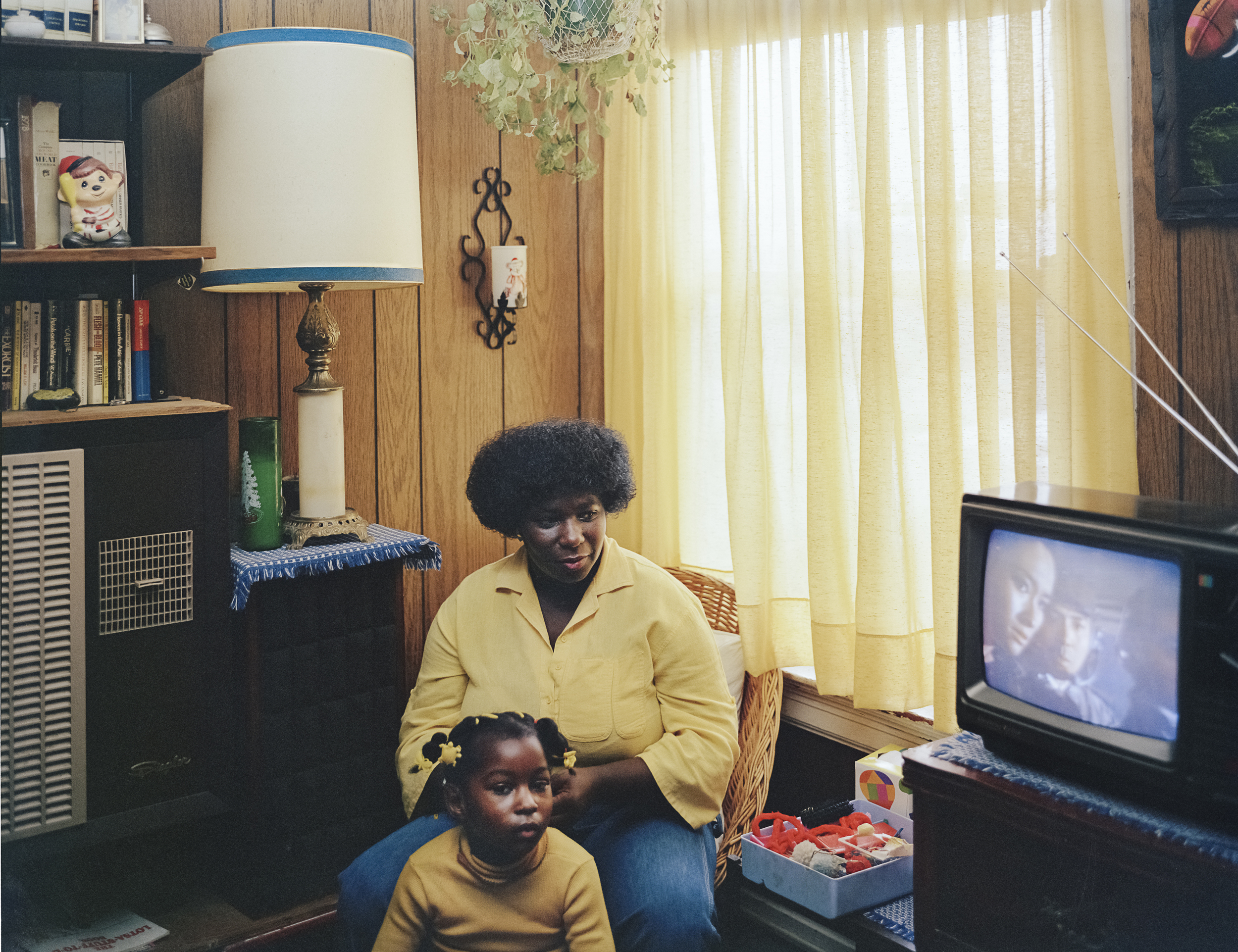 JANET DELANEY Bobbie Washington and her daughter Ayana, 28 Langton Street, 1982 Archival Pigment Print, 2016 16 x 20 inches, edition of 5 20 x 24 inches, edition of 2 30 x 40 inches, edition of 2