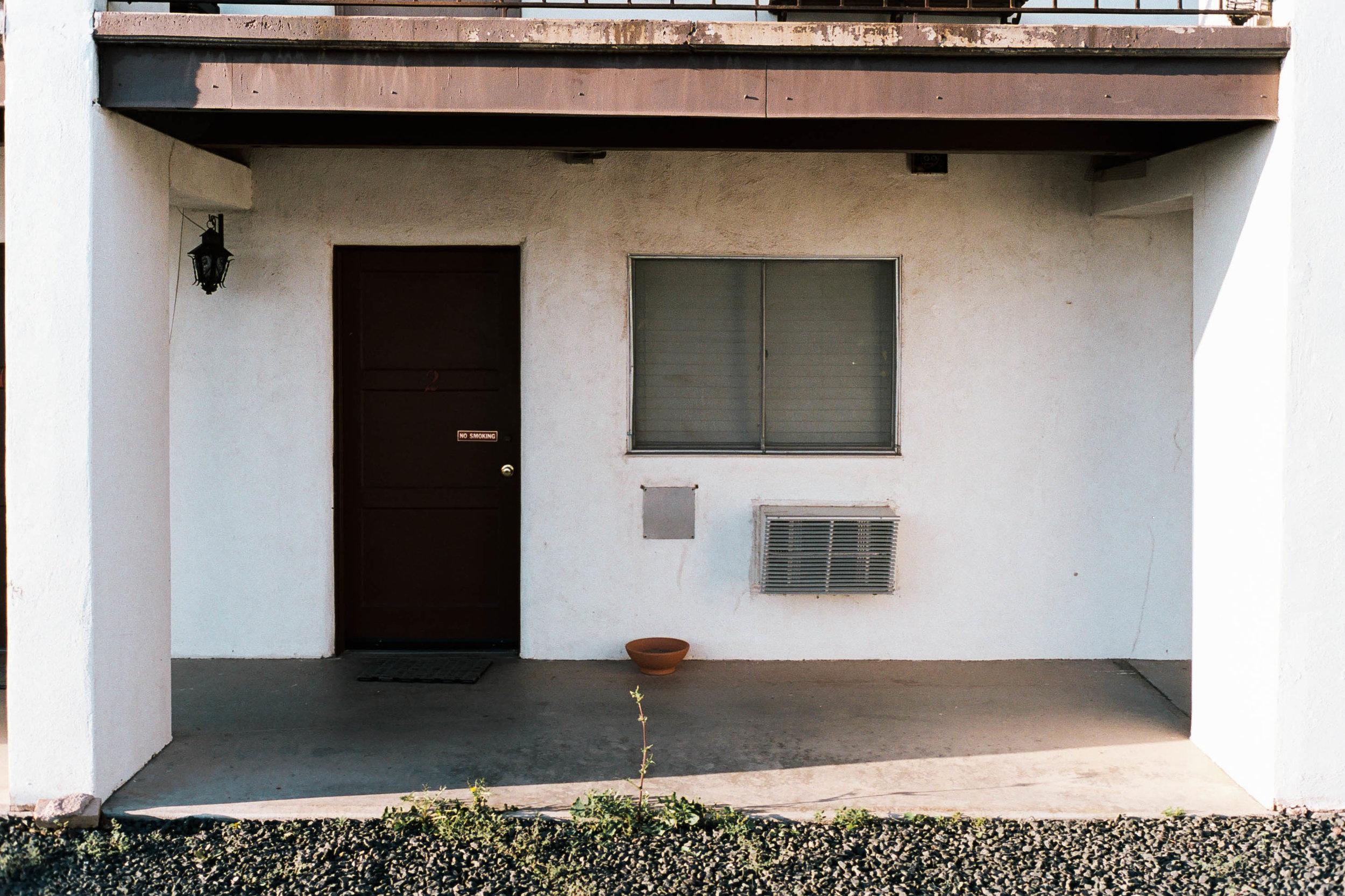 nate-matos-arizona-motel-2.jpg
