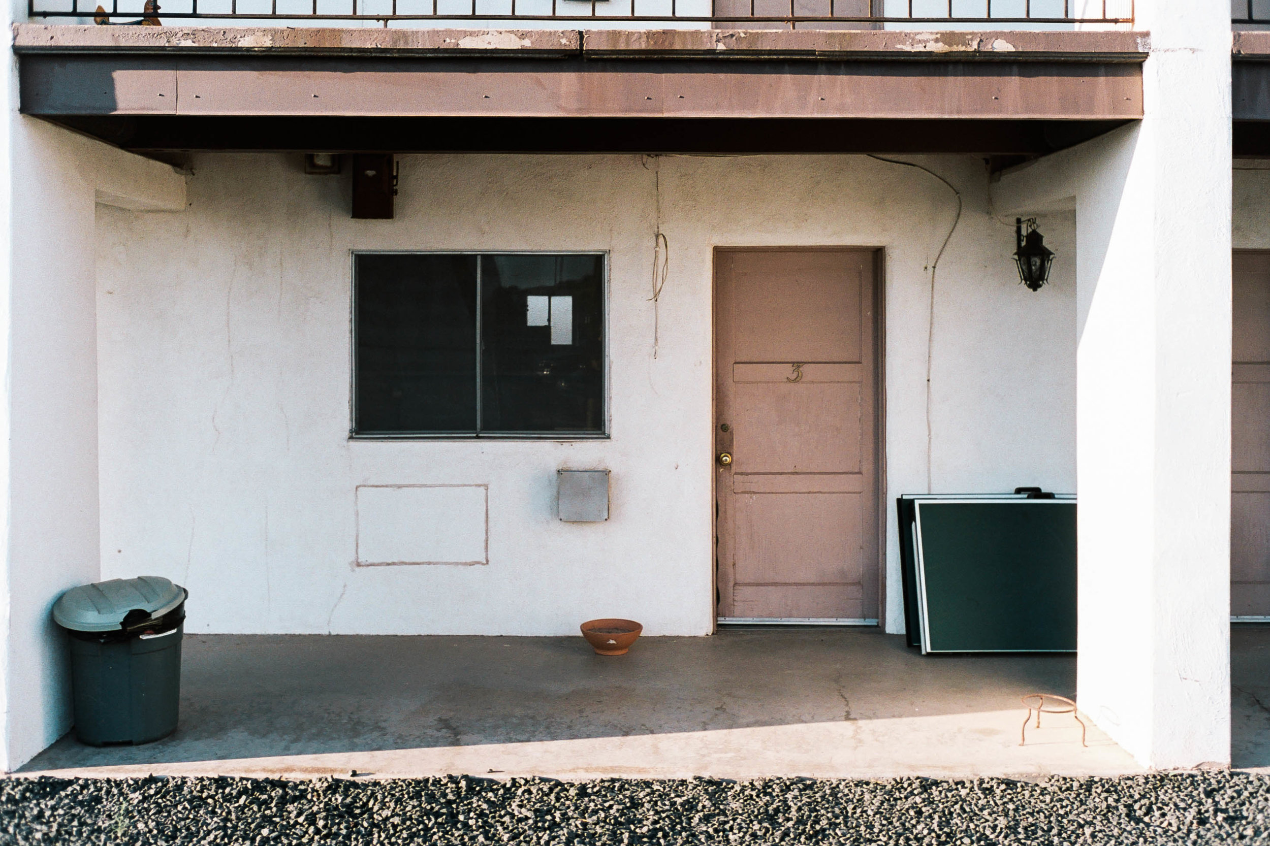 nate-matos-arizona-motel-3.jpg